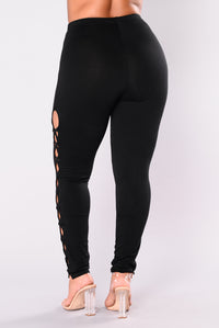 Working For It Leggings - Black Angle 9