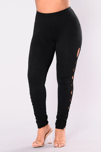 Working For It Leggings - Black Angle 10