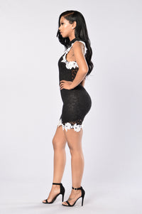 Lacey Dreams Dress - Black Angle 6