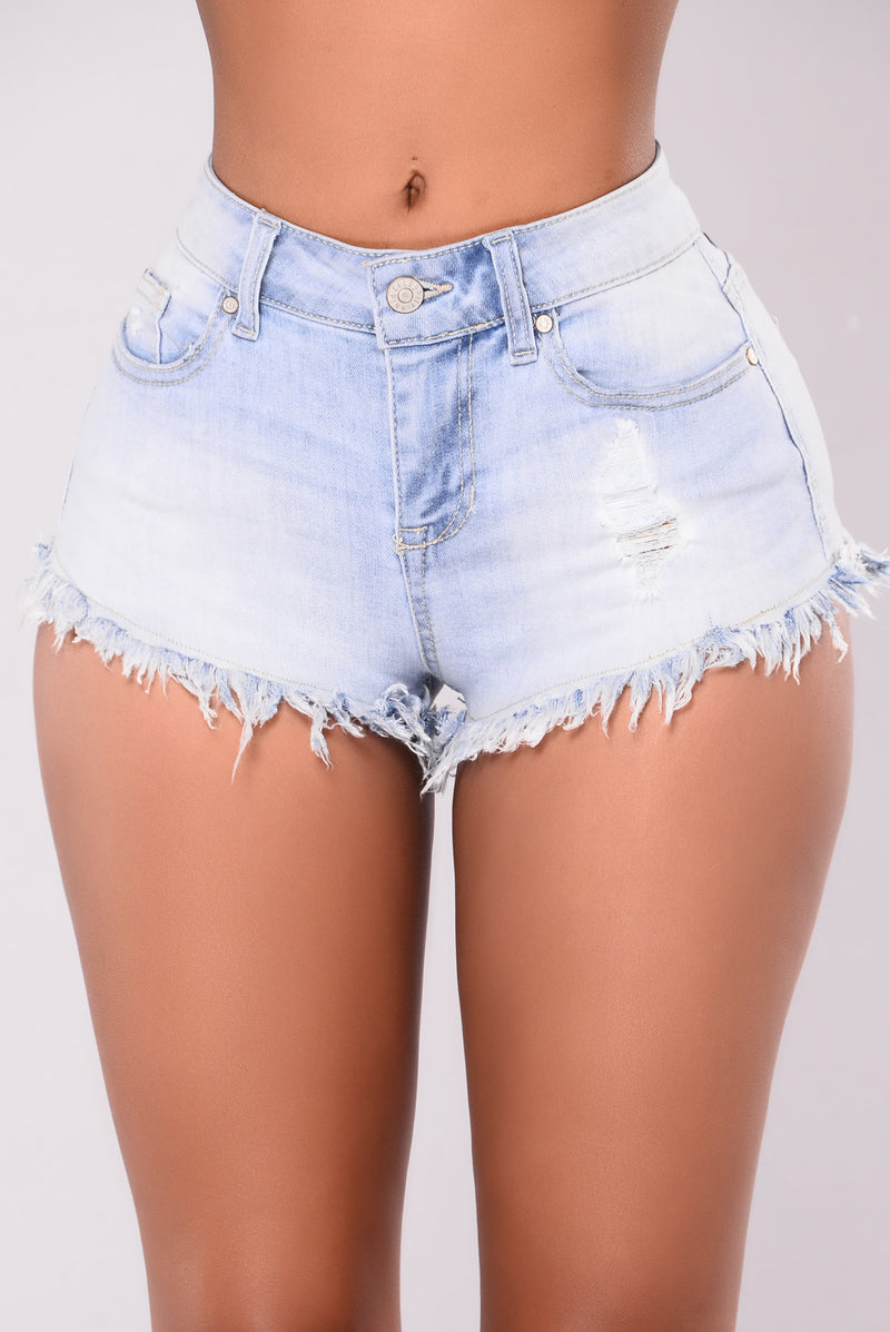 Damara Fringe Shorts - Light Wash