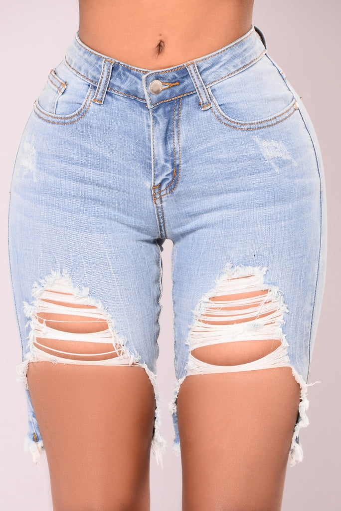 Zayden Distressed Shorts - Medium