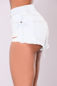 Singapore Distressed Shorts - Light