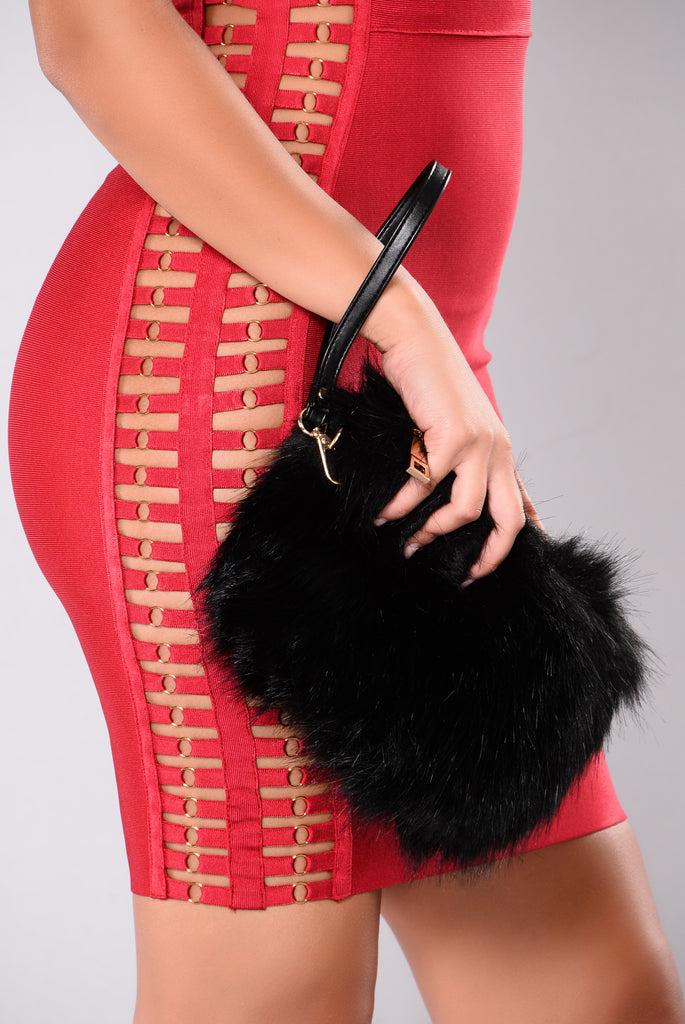 Hera Fur Clutch - Black