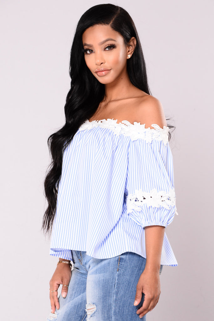 Sweet Thing Top - Sky Blue/White