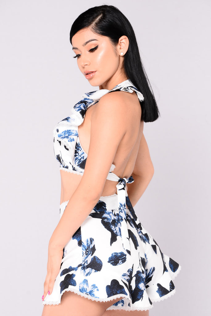 Caitlyn Floral Set - White/Blue