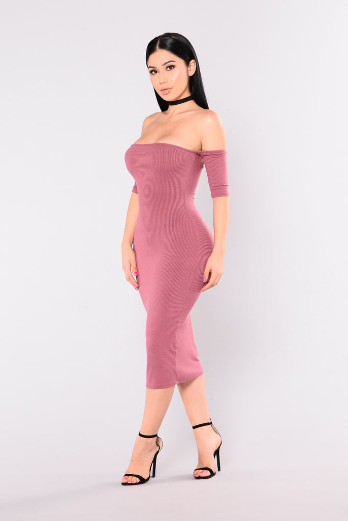 Lola Off Shoulder Dress - Mauve