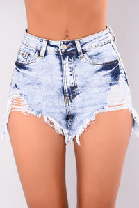 Highway Frayed Denim Short - Medium