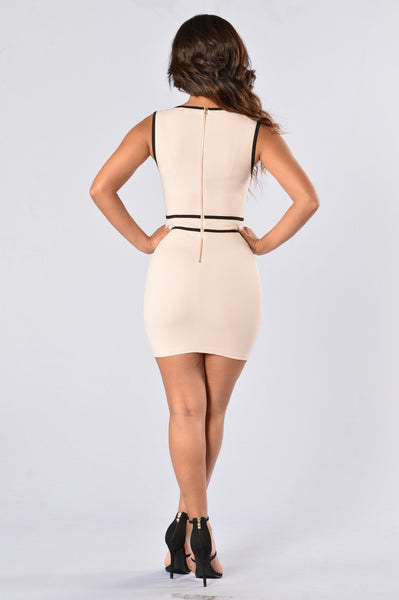 A Touch Of Class Dress - Blush/Black