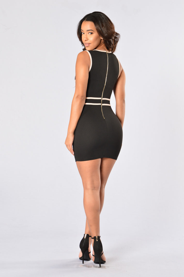 A Touch Of Class Dress - Black/Nude