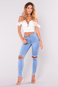 Come Through Distressed Jeans - Light