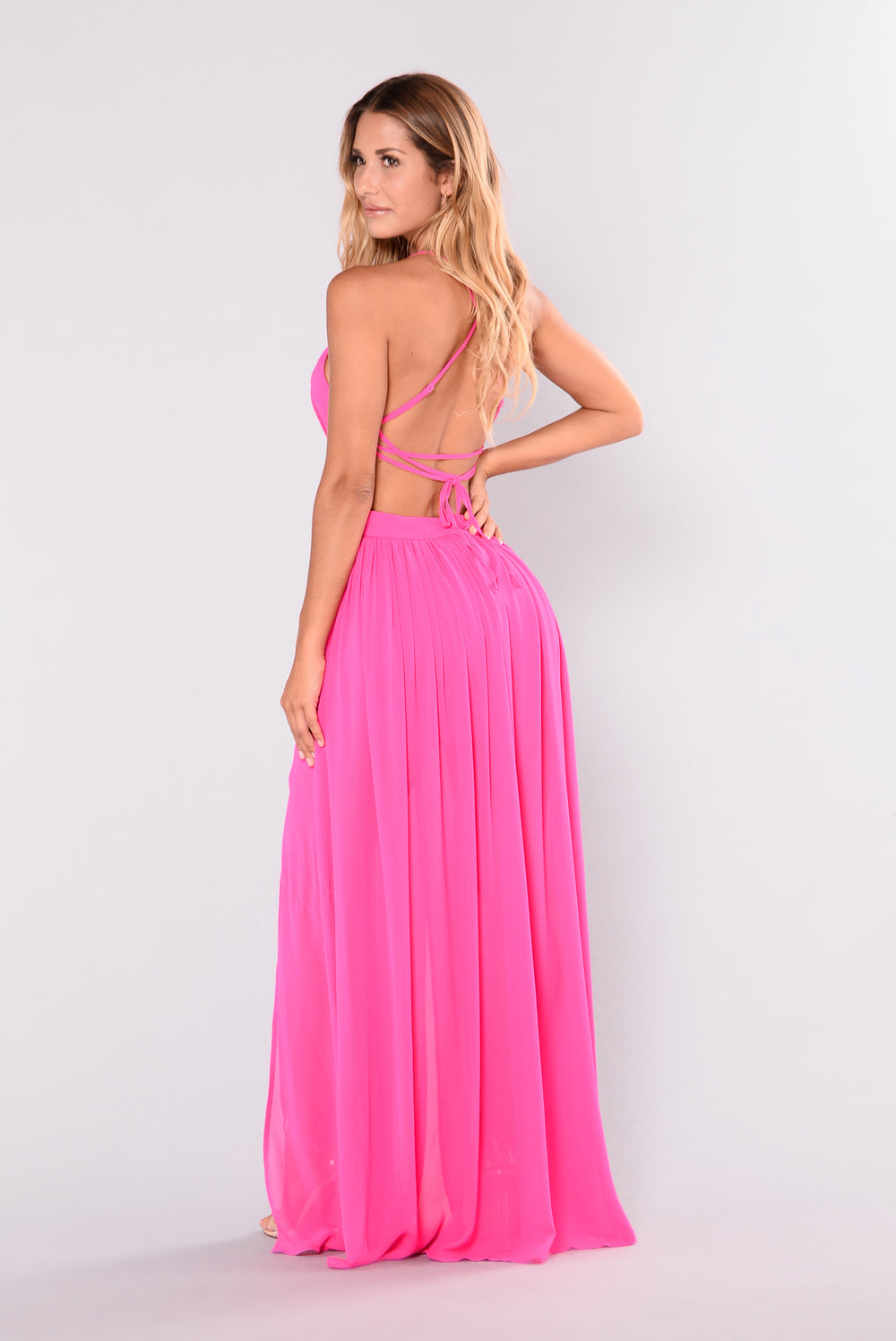 Maxi dresses with floral prints and patterns are a great summer staple. We also have a great selection of open back maxi dresses and lace maxi dresses for that boho hippie vibe. For prom or any formal event, consider an embellished or beaded maxi dress for that extra touch of sparkle--we've got so many cute ones in so many different color options!