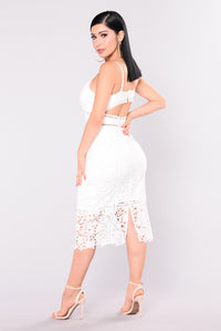 Mariposa Floral Crochet Dress - White