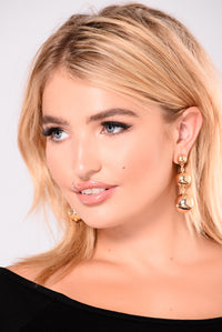 Suri Chandelier Earrings - Gold