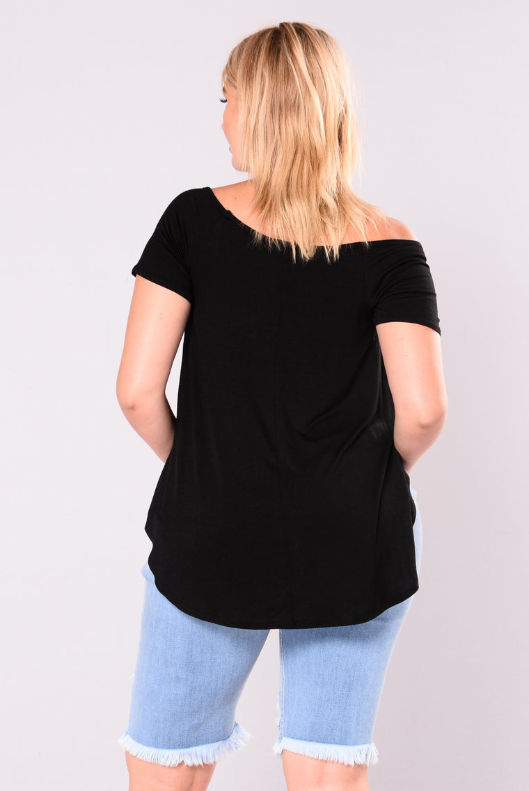 Hunnie Off Shoulder Top - Black