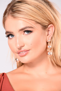 Suri Chandelier Earrings - Rose Gold