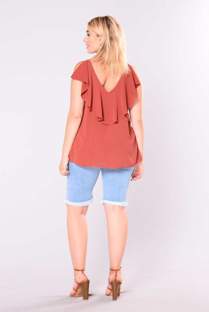 In A Heartbeat Ruffled Top - Rust