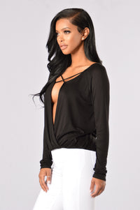 X Girlfriend Top - Black