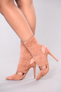 Cold But Not Cold Heel - Mocha