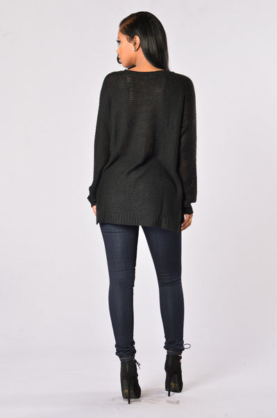 Snuggle Up Sweater - Black