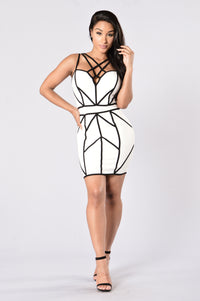 Caught in My Web Dress - White/Black Angle 1