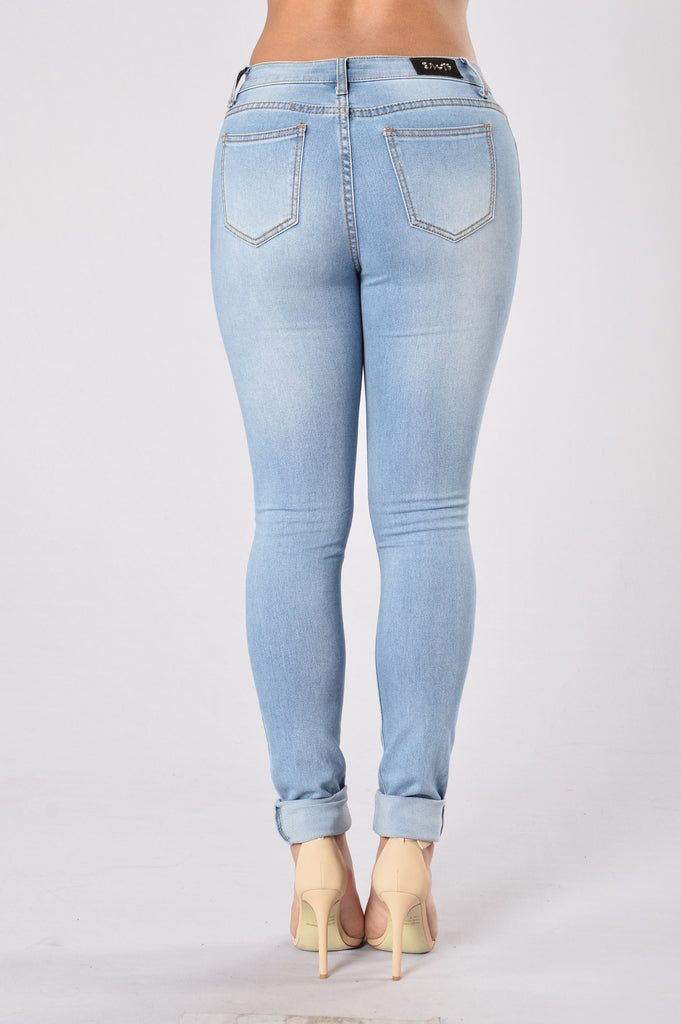 Coming For You Jeans - Medium Blue