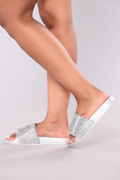 Halsey Sliders - Silver