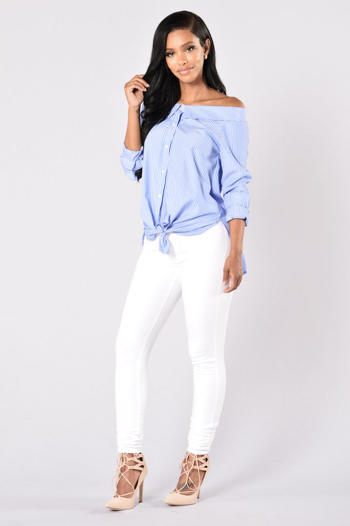 Chit Chat Top - Sky Blue/White