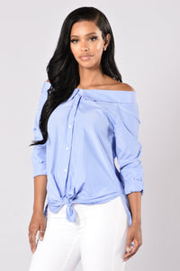 Chit Chat Top - Sky Blue/White Angle 1