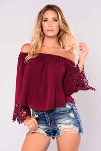 Hillary Off Shoulder Top - Burgundy