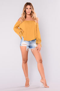 Hillary Off Shoulder Top - Mustard