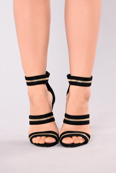 Samy Zipper Heel Sandal - Black