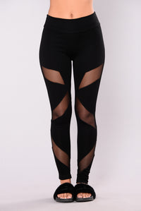 Strength Mesh Leggings - Black Angle 3