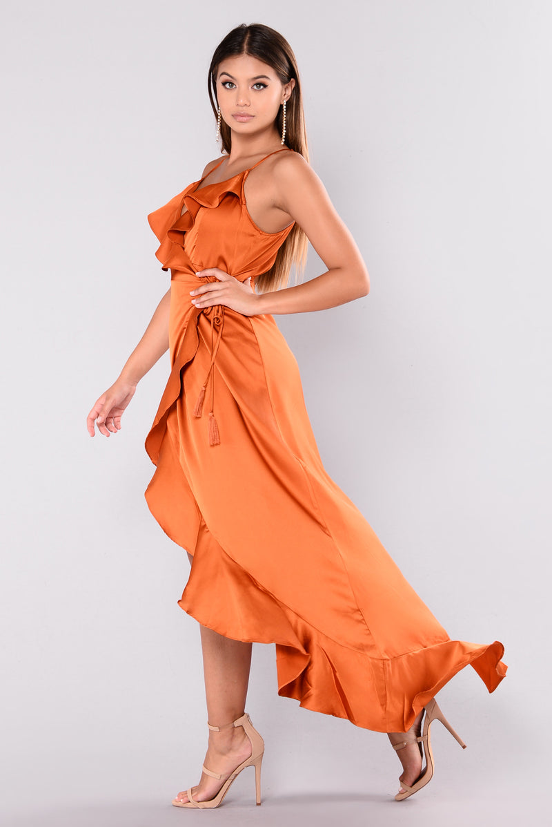 Dabria Ruffle Dress - Rust