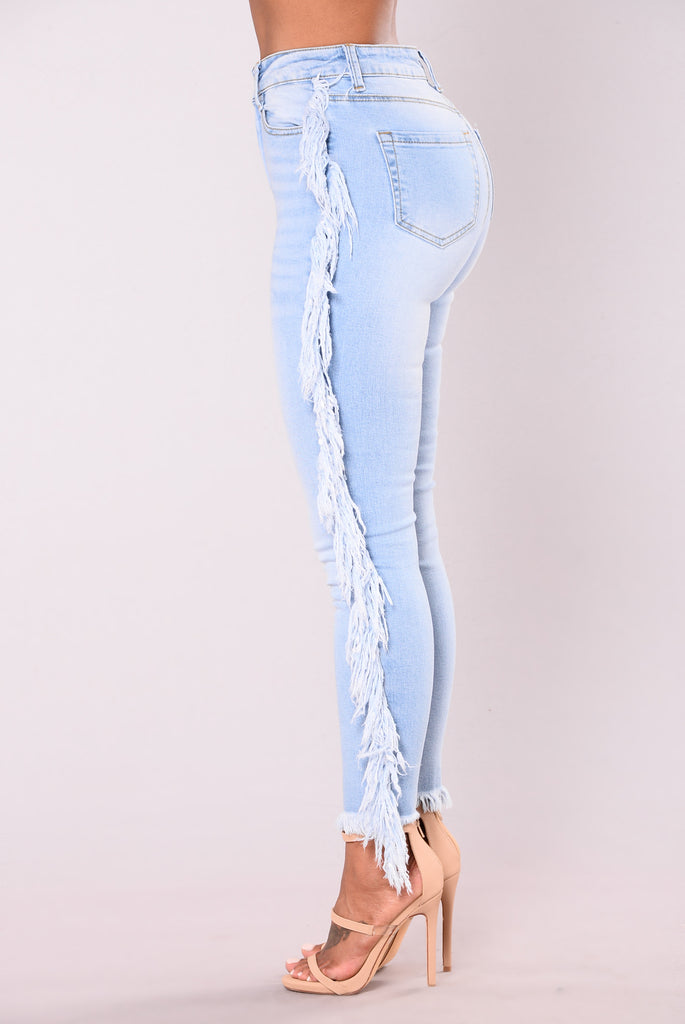 Iva Frayed Jeans - Medium