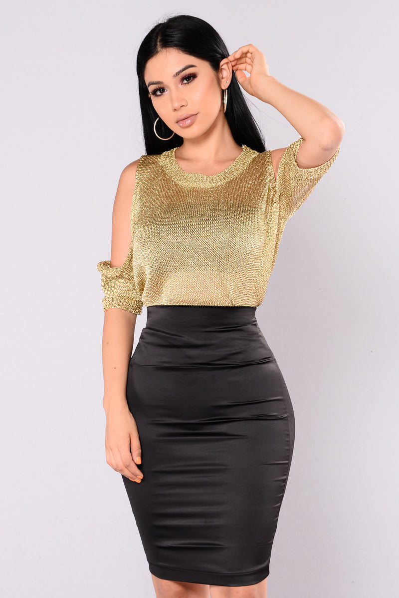 Rhea Metallic Cold Shoulder Sweater - Gold