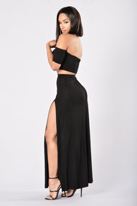 Queen of Everything Skirt - Black Angle 6