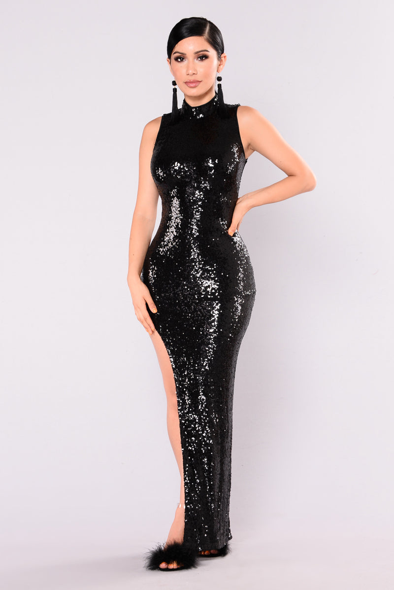 Runway Walk Sequin Dress - Black