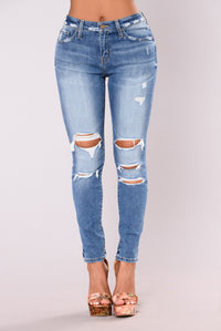 Kourtney Premium High Rise Mom Jeans - Medium Blue