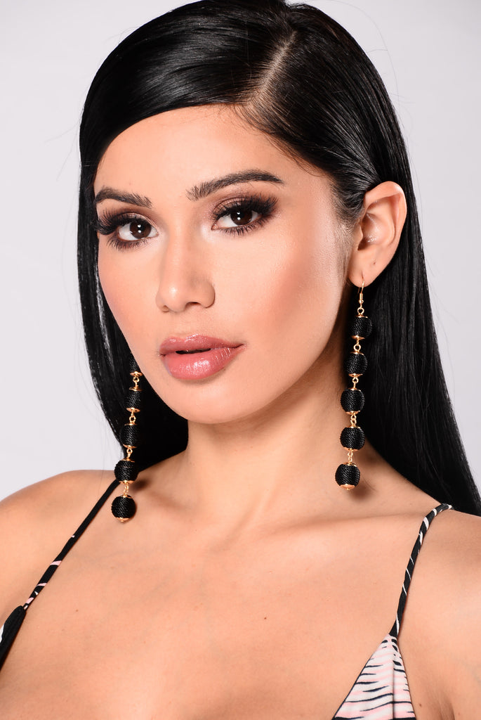 Valentina Chandelier Earrings - Black