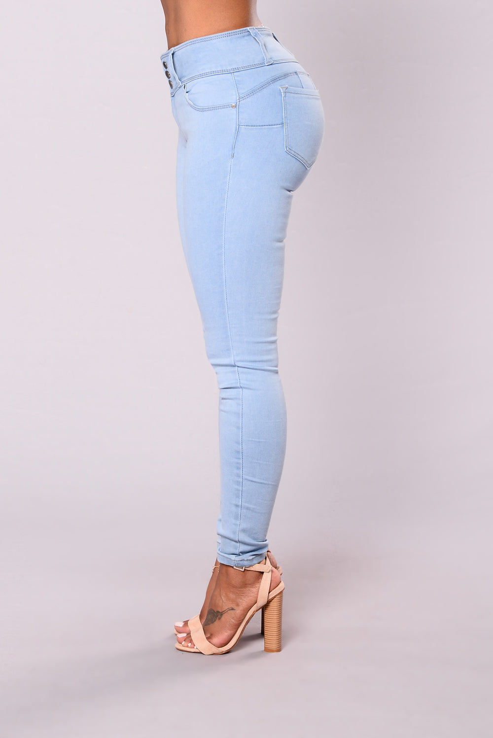 Round Of Applause Booty Shaped Jeans Light Blue