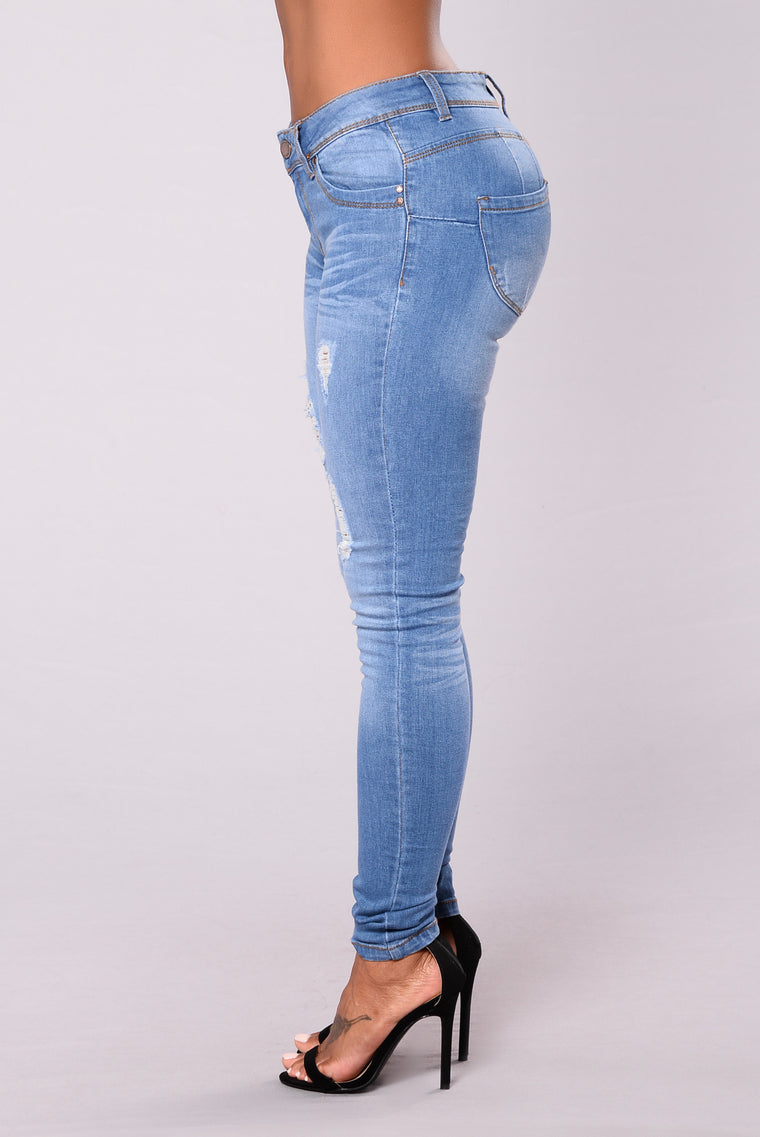 Lift Me Up Booty Sculpting Jeans - Light Denim