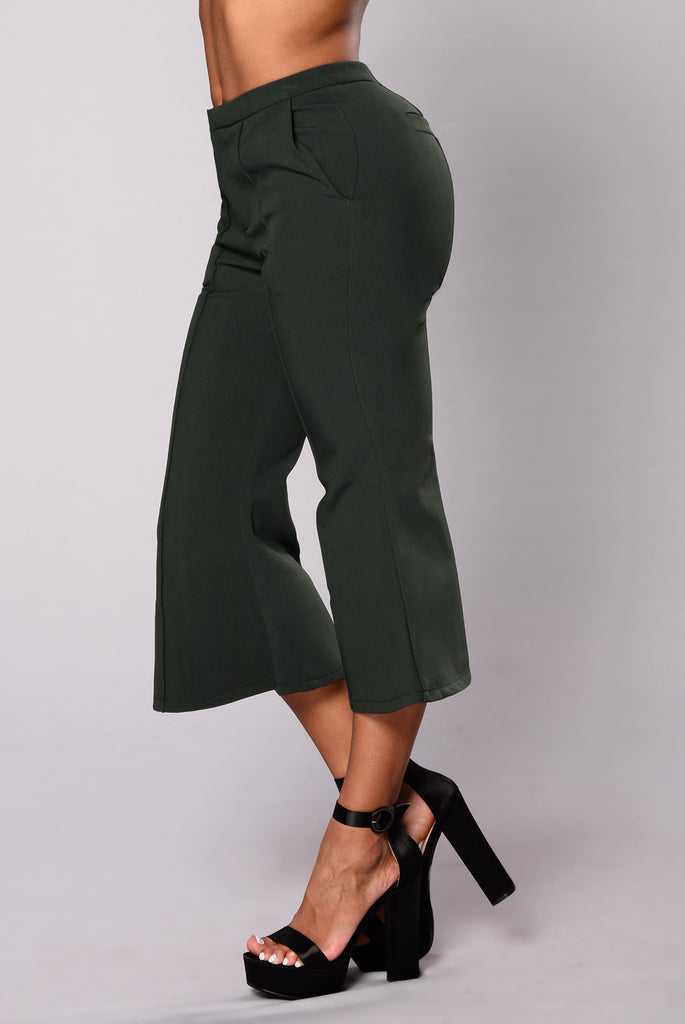Tiffany Ruffle Crop Pants - Dark Green