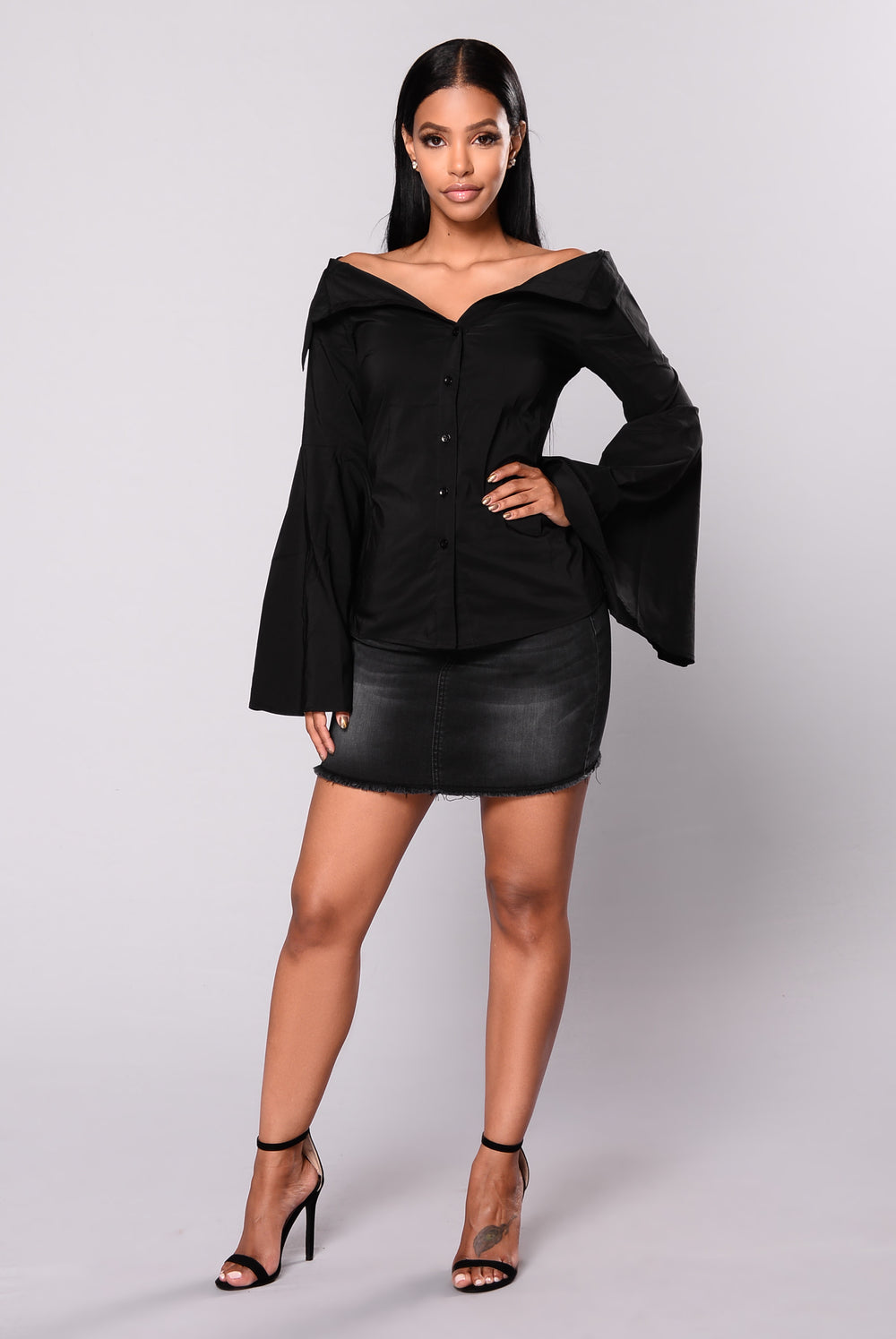 Modern Fling Bell Sleeve Top - Black