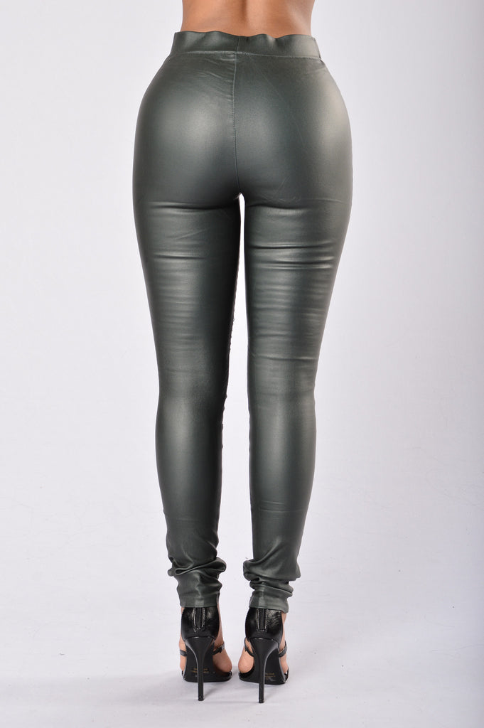 Slicker Than An Oil Spill Leggings - Olive