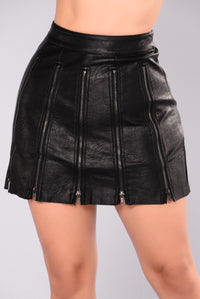 Zipped Up Faux Leather Skirt - Black
