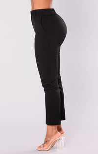Cassey Pleated Pants - Black