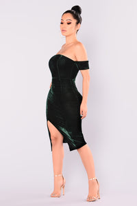 Days Ahead Velvet Dress - Hunter Green