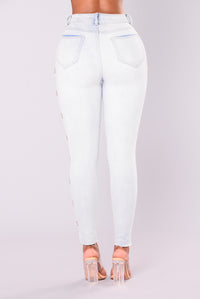 All Or Nothing Grommet Jeans - Bleach