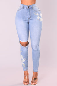 Rosalie Embroidered Jeans - Light