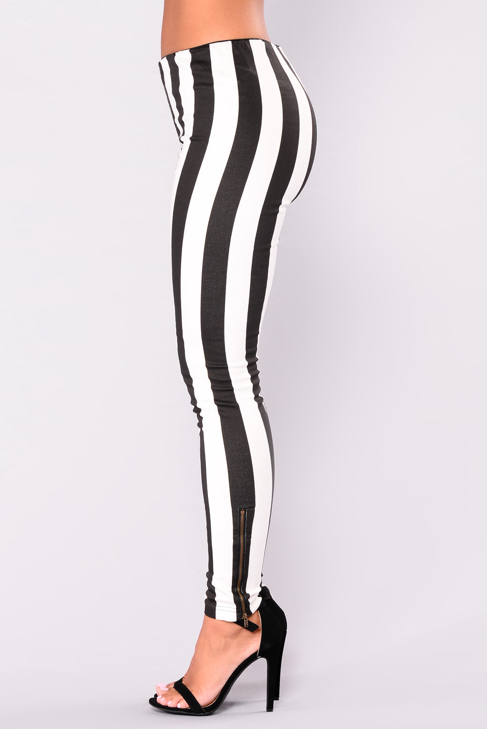 Avery Avenue Striped Pants - Black
